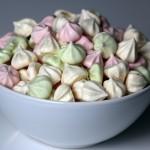 Minimaränger - vita, rosa och gröna