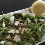 Grillad sparris med rucola, parmesan och vcitron